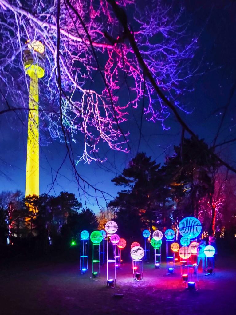 Lichtobjekte in vielen Farben